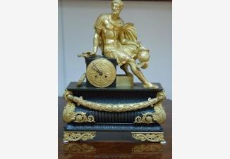 Часы каминные с боем «Римский воин»